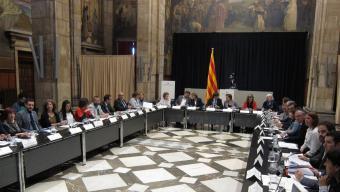 Els reunits, ahir, en la cimera del palau de la Generalitat Foto:ACN