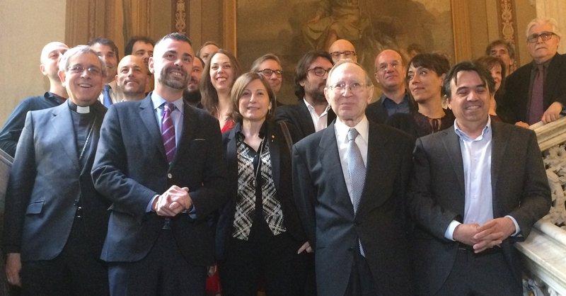 Imatge de J.M. Soler, S. Vila, C. Forcadell, J. Massot i M. Domínguez, a l'acte de lliurament dels premis.