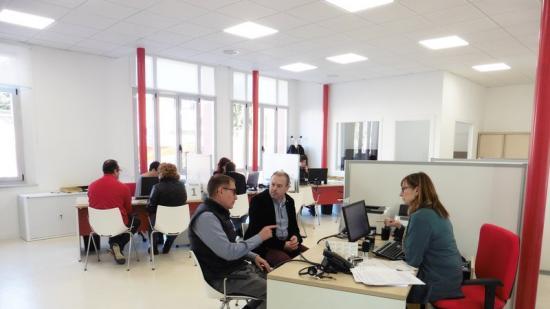 L'Oficina d'Atenció al Ciutadà ocupa una superfície de 120 m² a la planta baixa Foto:J.T