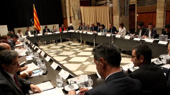 Els assistents a la cimera de dilluns al palau de la Generalitat Foto:ACN