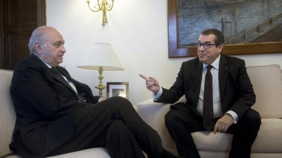 El ministre Jorge Fernández Díaz i el conseller Jordi Jané, ahir, a Madrid Luca Piergiovanni/efe