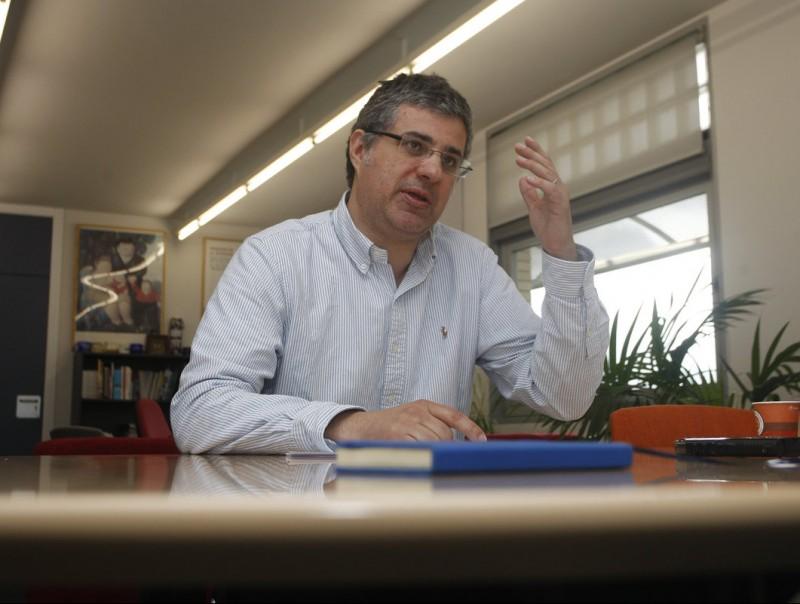 Albert Esteve a la seu del centre, al campus de la Universitat Autònoma de Barcelona (UAB).  Foto:ORIOL DURAN