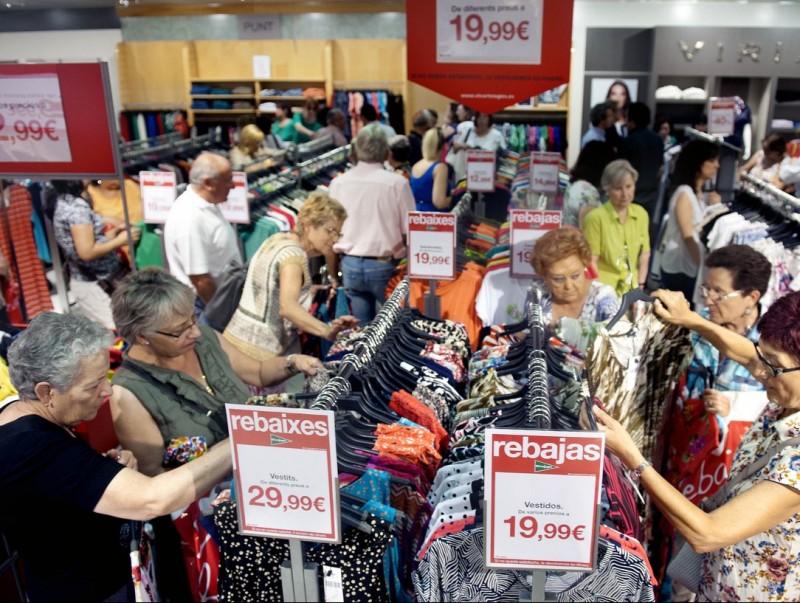 Les companyies s'adapten als hàbits de despesa dels jubilats  Foto:ARXIU