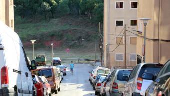L'incident va tenir lloc ahir al migdia al carrer Acàcia de Girona Foto:QUIM PUIG
