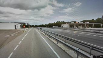 La gasolinera atracada en una imatge de Googlemaps. Foto:T.S