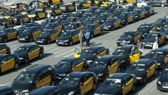 La modificació del reglament del taxi que regula el pagament amb diners electrònics entrarà en vigor, en caràcter general, l'1 de gener de 2017 Foto:J. LOSADA