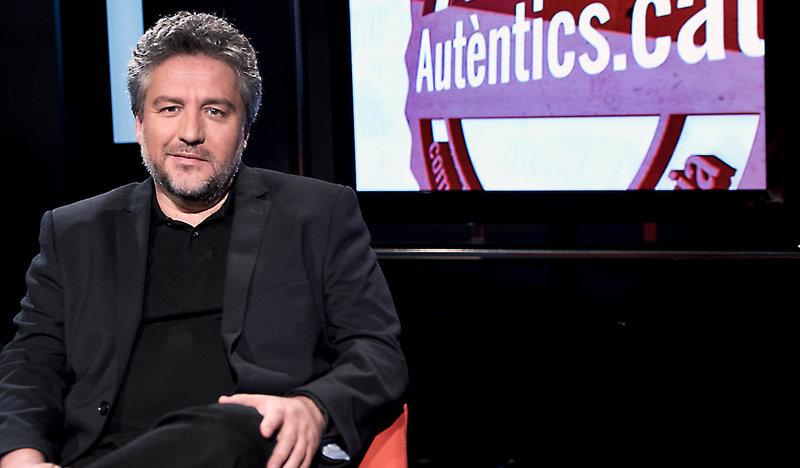 Imatge d'Àlex Rovira al plató d'El Punt Avui Televisió.
