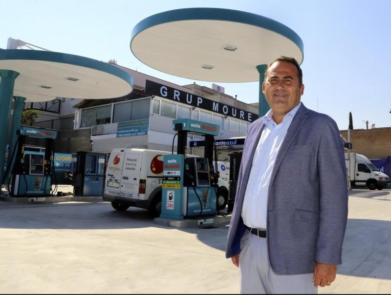 Marcos Moure, propietari d'Autonet & Oil i El Elefante Azul, a la instal·lació d'Alella, al Maresme.  Foto:QUIM PUIG