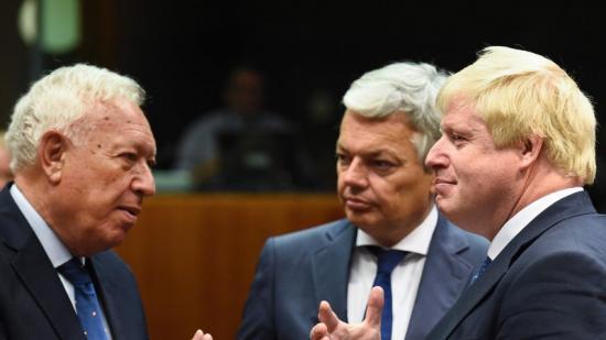 El nou ministre d'Exteriors del Regne Unit , Boris Johnson, pro Brèxit, es va estrenar ahir a la UE Foto:AFP