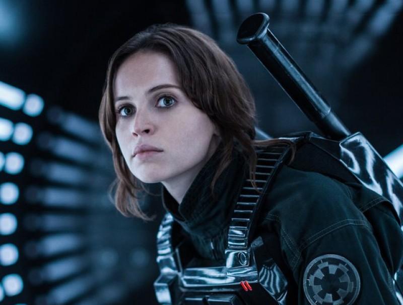 Daisy Ridley (Rey) en una imatge d'Star Wars: Rogue One', el vuitè episodi de la saga galàctica Foto:WALT DISNEY