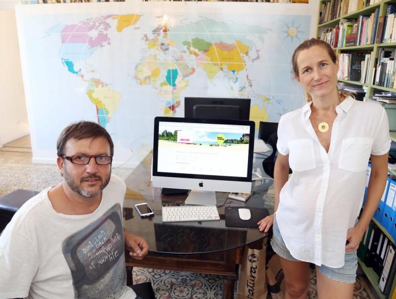 Pedro Armangué i Belen Cañete són els fundadors de Way Away.  Foto:ANDREU PUIG