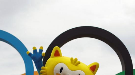 La mascota dels Jocs de Rio a la platja de Copacabana. Foto:REUTERS