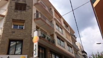 El bloc de pisos on viu el presumpte autor dels abusos a menors detingut pels Mossos aquesta setmana a Calella Foto:JAUME RIERA/ RCTV