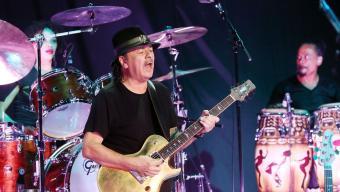 Carlos Santana, amb Cindy Blackman-Santana a la bateria, dissabte a Cap Roig Foto:JOSÉ IRÚN / FESTIVAL DE CAP ROIG