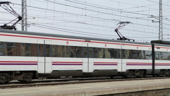 El tren avariat duia un centenar de passatgers Foto:AGÈNCIES