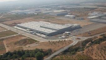 Imatge aèria del nou centre logístic que El Corte Inglés ha posat en marxa a la Bisbal del Penedès.