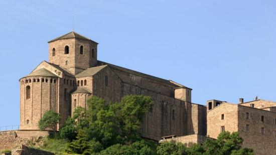 Una perspectiva del Castell de Cardona, que acull la Col·legiata de Sant Vicenç Foto:ARXIU