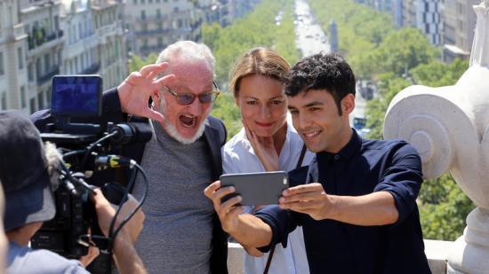 Robert Englund (el temible Freddy Krueger), la presentadora Ivana Miño i el Mago Pop, ahir al terrat de l'hotel Casa Fuster Foto:JUANMA RAMOS