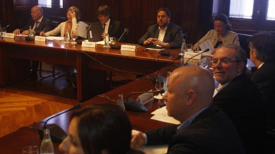 Primera reunió del consell institucional del procés de debats dels governs locals, ahir, al Parlament Foto:ORIOL DURAN
