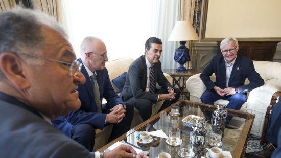 L'alcalde de València, Joan Ribó, reunit amb represetants de Ford. Foto:AGÈNCIES