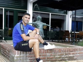 Reyes, davant de l'hotel de concentració a Apeldoorn abans de l'entrevista amb L'Esportiu Foto:RCDE
