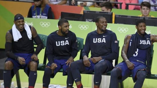 Carmelo, Irving, Durant i George, ahir, en l'últim quart de la final Foto:REUTERS / DYLAN MARTINEZ