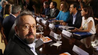 Girauta i la resta de negociadors de C's i el PP ahir al Congrés mariscal / efe Foto:Arxiu