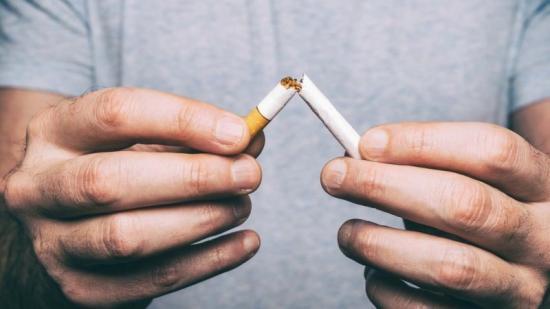 Entre el 50 i el 75% dels ex fumadors recauen durant la primera setmana d'intentar-ho Foto:EP