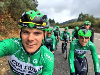 Prades es va un selfie en un entrenament abans de començar la Vuelta Foto:Arxiu