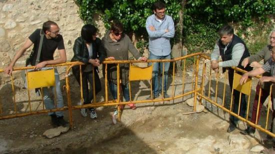 Les restes trobades a Masmolets durant una visita de de la Comissió de Patrimoni Foto:EPN