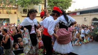 La trepitjada del raïm és un dels actes més tradicionals i emblemàtics de la Festa de la Verema d'Alella. Foto:EPA