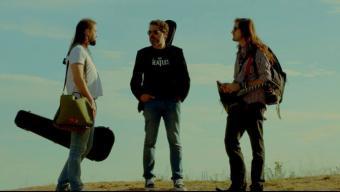 Músics de Montgat de diferents estils són els protagonistes de la cinta que repassa el procés creatiu d'un CD que inclou tretze cançons sobre el poble fetes per músics locals. Foto:EPA