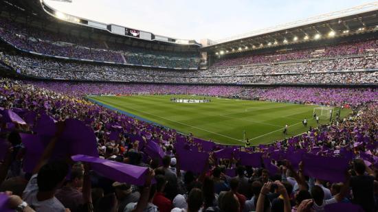 Panoràmica de l'estadi Santiago Bernabéu; a la seva llotja se segellen pactes polítics i econòmics Foto:C. MANSO / AFP