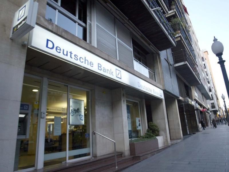 El Deutsche Bank és una de les entitats que han despertat més dubtes entre analistes i inversors.  Foto:JUDIT FERNÁNDEZ