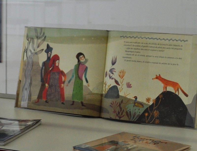 Imatge d'un llibre exposat.