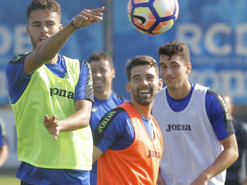 Diego Reyes entrenant amb els seus nous companys Foto:F.C