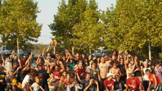 Participants a la Gotimada popular, la batalla campal a base de raïm. Foto:Arxiu