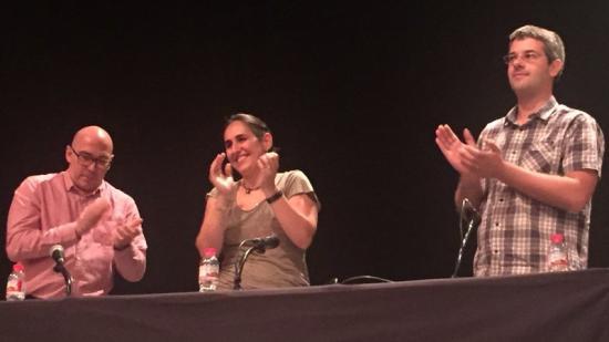 Barbero, Carpio i Llach en l'acte celebrat divendres al Teatre Municipal de Banyoles Foto:ÒSCAR PADILLA