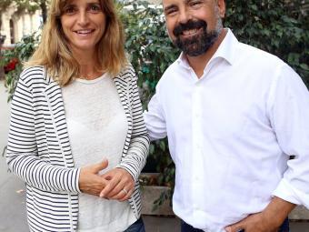 Glòria Freixa i Quim Clavaguera fotografiats el passat dilluns a la Rambla de Catalunya Foto:JUANMA RAMOS