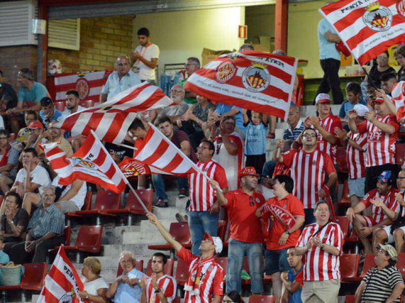 Un sector de l'afició del Girona Foto:EDUARD DURAN