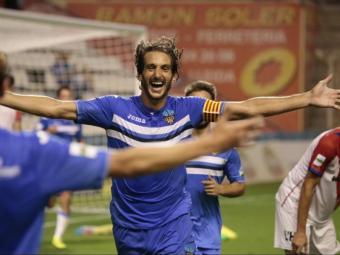 Fran Moreno celebra un dels dos gols que va marcar en el partit de dimecres passat contra l'Hospitalet Foto:JORDI ECHEVARRÍA