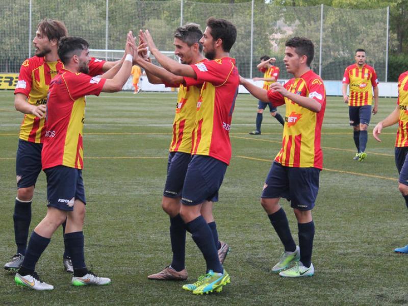 Els jugadors del Vilafranca, celebrant un gol d'aquest curs Foto:LLUÍS MONTANER