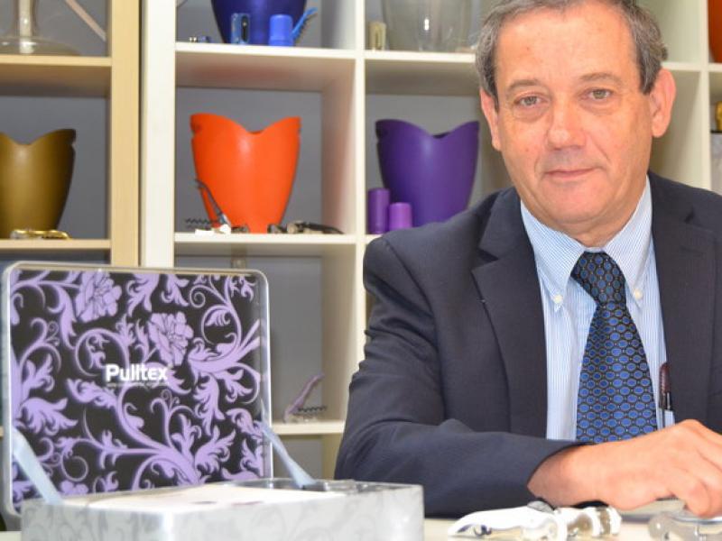 Adolfo Dordella, director general de Pulltex, a la seu de la firma de Sant Boi de Llobregat.  Foto:RAMON ROCA