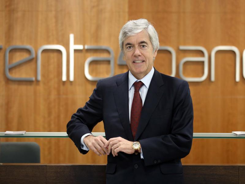 Juan Carlos Ureta a l'oficina central de Renta 4 a Barcelona, inaugurada recentment.  Foto:JUANMA RAMOS