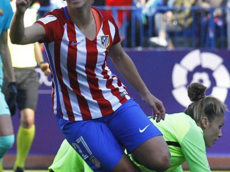 Marta Corredera celebrant el primer gol Foto:AT MADRID