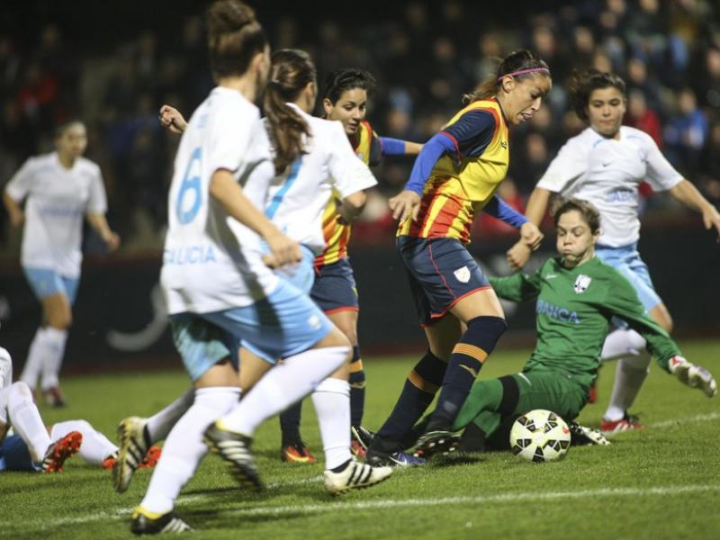 Una acció ofensiva de la selecció catalana en el partit disputat ahir contra Galícia Foto:ÀLEX GALLARDO / FCF