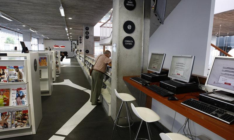 Imatge de la biblioteca de Lloret de Mar.