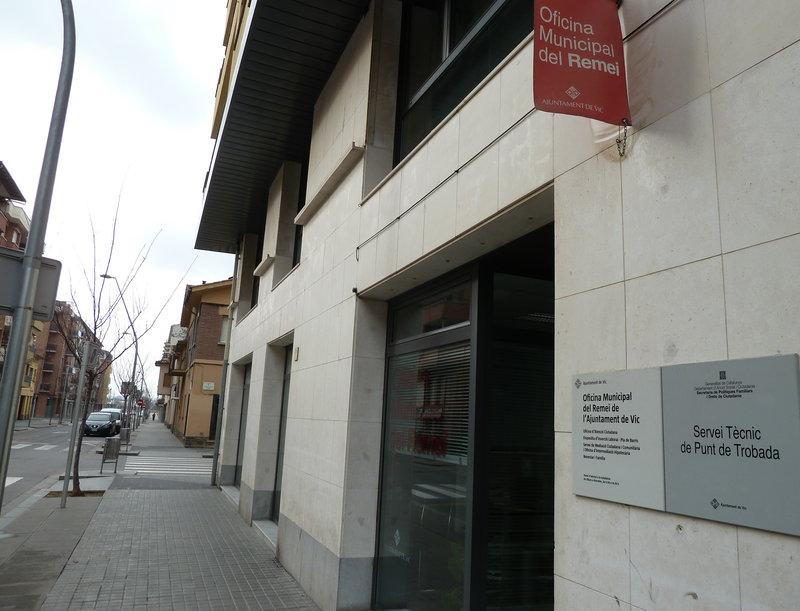 L 39 ajuntament de vic orienta els afectats per cl usules s l for Oficina del habitatge