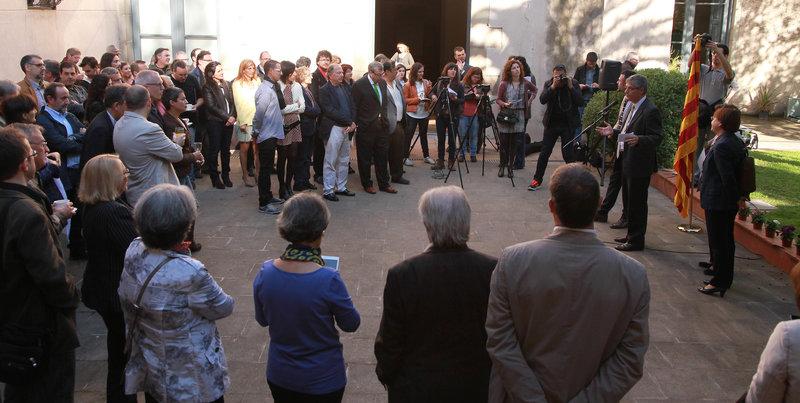 Imatge de l'esmorzar literari de Sant Jordi de l'edició passada als Serveis Territorials de Cultura de Girona.