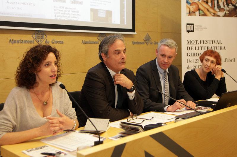 Glòria Granell, Carles Ribas, Albert Piñeira i Margarida Casacuberta, en una imatge d'ahir en la presentació del festival a Girona.